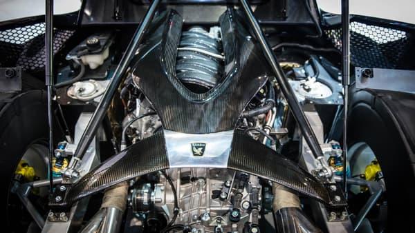 Le modèle est équipé d'un puissant V8 de 918 chevaux.