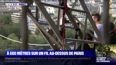 Paris: le funambule Nathan Paulin s'apprête à s'élancer depuis la Tour Eiffel, pour une traversée à 70 mètres de hauteur