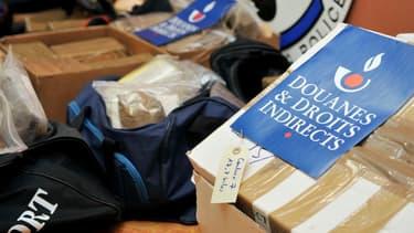 Le gouvernement veut mettre en garde contre les dangers d'acheter des produits pas sûrs.