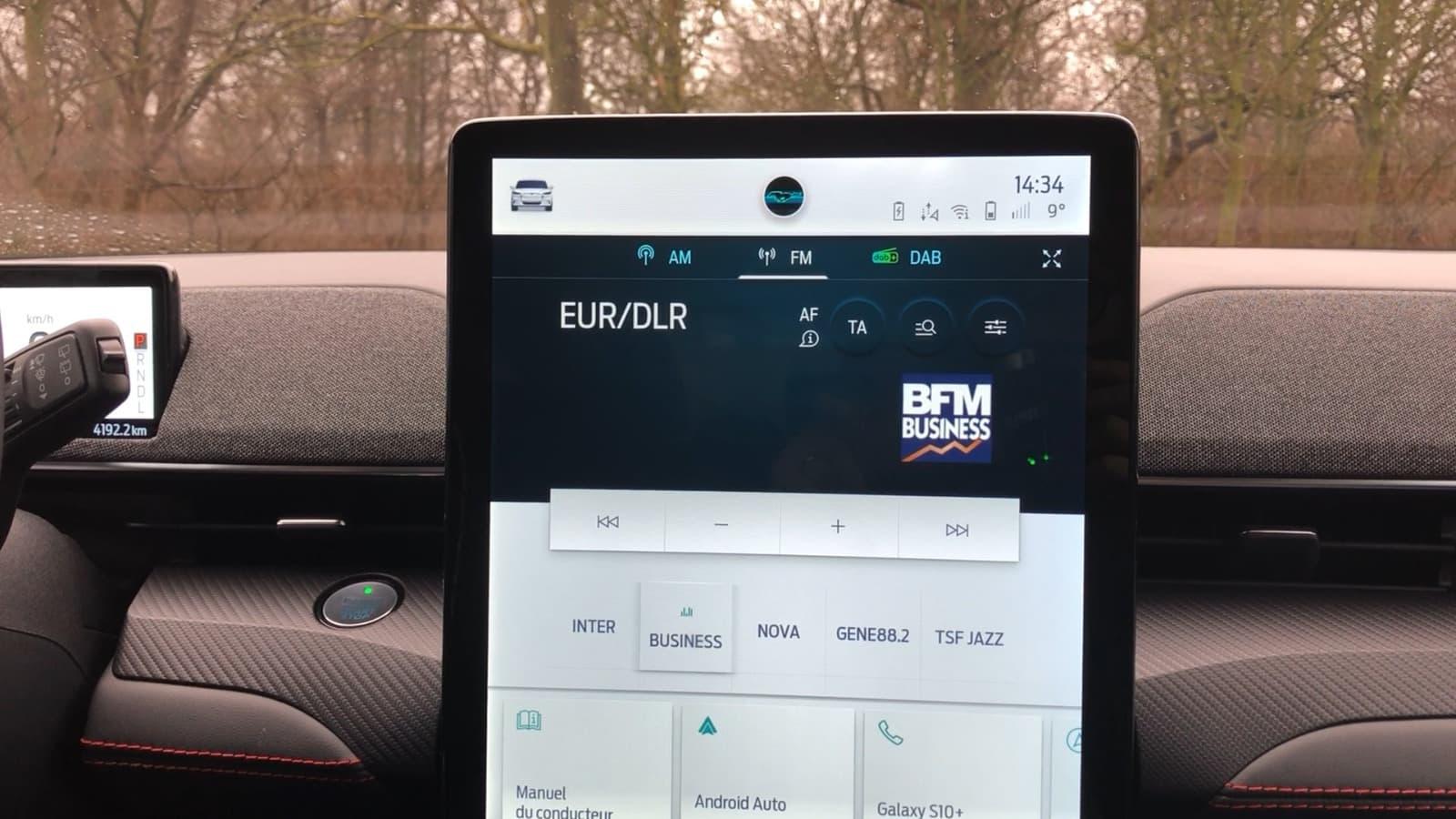 Digicode, écran vertical, application... la Mustang Mach-E propulse Ford dans le futur