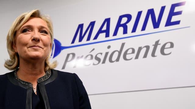Marine Le Pen et son logo de campagne (photo d'illustration)