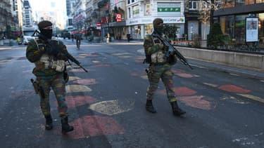L'armée belge en patrouille dans les rues de Bruxelles, le 23 novembre 2015