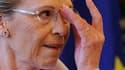 Plusieurs dirigeants de la majorité ont soutenu jeudi du bout des lèvres Michèle Alliot-Marie, de plus en plus contestée à son poste de ministre des Affaires étrangères après la polémique provoquée par son séjour en Tunisie. /Photo prise le 18 février 201