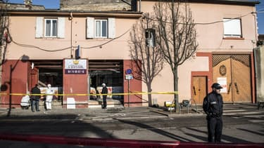 Un engin explosif a été déposé devant un snack à quelques mètres d'une mosquée.