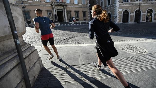 """Les conseils précieux de """"J'aime courir"""" pour les footings pendant le confinement"""