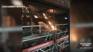 Une image inédite du départ de l'incendie à Notre-Dame de Paris le 15 avril 2019.