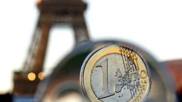 Un Français sur deux estime que l'euro a été plutôt une mauvaise chose pour son pays et pour lui-même mais une large majorité souhaite le conserver, selon un sondage Ifop pour le Journal du Dimanche. /Photo d'archives/REUTERS/Jacky Naegelen