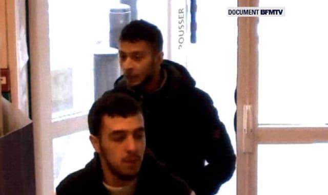 Salah Abdeslam a été contrôlé par les gendarmes français et s'est arrêté dans une station-service lors de son retour vers la Belgique.