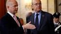 Alain Juppé aux côtés de son homologue britannique William Hague, lors de la réunion du groupe de contact sur la Libye, à Rome. Le ministre français des Affaires étrangères a précisé que le fonds mis en place pour aider les insurgés libyens seraient opéra