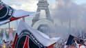 Au plus fort du rassemblement, 10.000 à 15.000 personnes se trouvaient au Trocadéro, ce lundi soir, a indiqué la préfecture de police.