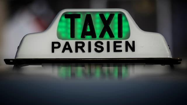 Les artisans taxi dénoncent la perte de valeur de leurs licences