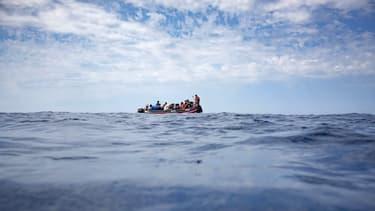 Au moins douze personnes se seraient trouvées à bord du bateau qui a coulé