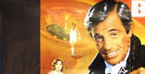 La Mercedes est présent sur l'affiche du film avec Jean-Paul Belmondo.