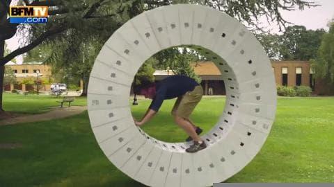 Ils créent une roue géante à l'aide de boîtes d'ordinateurs