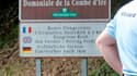 Route de la Combe d'Ire près de laquelle s'est produite la tuerie de Chevaline. Des gendarmes français ont accompagné samedi la police anglaise dans une perquisition au domicile des membres de la famille anglaise victime de la tuerie de Chevaline, mercred