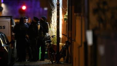Policiers le 13 décembre à Strasbourg, près de l'endroit où l'attentat a eu lieu. (image d'illustration)