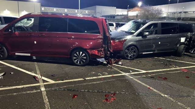 L'ex-employé aurait détruit une cinquantaine de véhicules à l'aide d'une tractopelle.