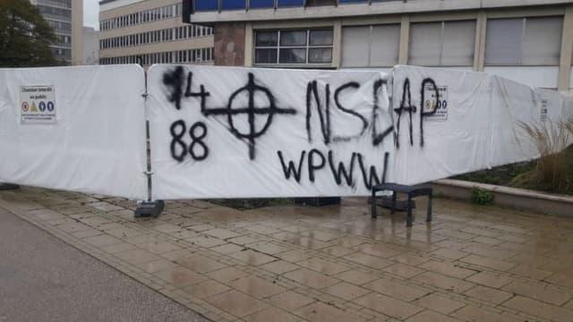 Tags devant la faculté de droit de Strasbourg.