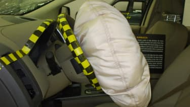 Honda a de nouveau rappelé des millions de véhicules pour des airbags défectueux. Ici, un airbag ouvert dans un laboratoire de tests du cabinet IHS.