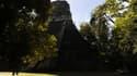 Temple maya sur le site archéologique de Tikal, au Guatemala.