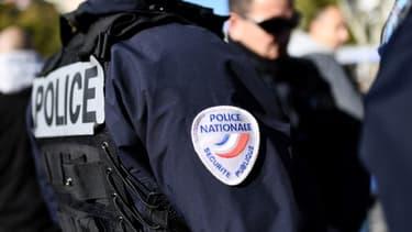 Un policier en service - Image d'illustration