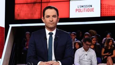 Benoît Hamon a précisé que le coût de son RUE serait de 35 milliards d'euros par an