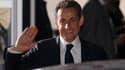 Nicolas Sarkozy à la sortie des studios de télévision après le débat avec François Hollande. Le président-candidat a choisi pour son dernier meeting de campagne de l'élection présidentielle Toulon, l'une des quatre villes de France à avoir été gérées par