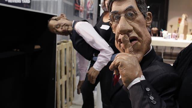 """Les marionnettes de Sylvester Stallone et de Patrick Poivre d'Arvor aux """"Guignols"""", en 2012."""
