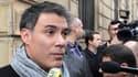L'un des porte-parole du PS, Olivier Faure, à son arrivée rue Solférino au siège du PS ce lundi. A la sortie de la réunion du bureau national, il a annoncé l'adoption du plan d'économies.