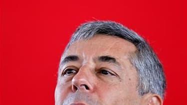 L'ancien conseiller spécial de Nicolas Sarkozy Henri Guaino sera nettement favori lors du second tour des élections législatives de la 3e circonscription des Yvelines dimanche 17 juin, grâce au retrait du candidat UMP dissident, arrivé en troisième positi