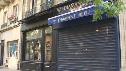 """La bijouterie """"Le diamant bleu"""" située boulevard de la Tour-Maubourg à Paris a été samedi la cible d'un braquage"""