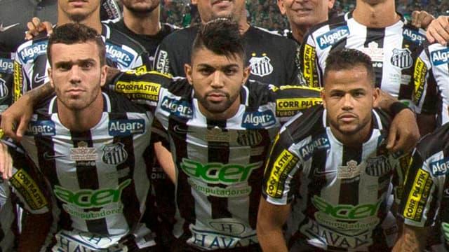 Gabriel Barbosa Almeida (au centre)