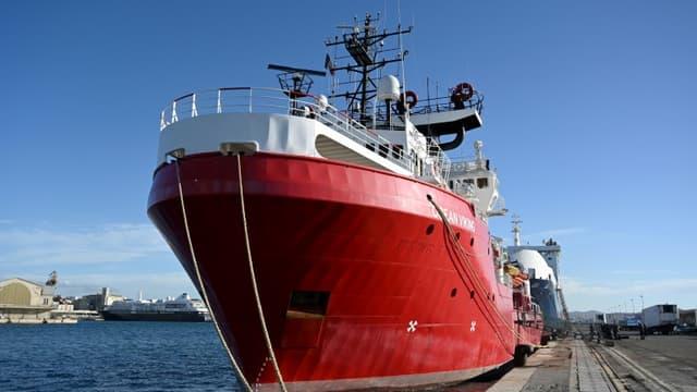 L'Ocean Viking de l'ONG SOS Méditerranée dans le port de Marseille, le 29 décembre 2020
