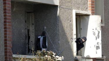 A Toulouse, après l'assaut contre le domicile de Mohamed Merah. Un rapport parlementaire conclut à un manque de moyens des services de renseignement français dans la gestion de l'affaire. La délégation de députés et sénateurs recommande notamment de renfo