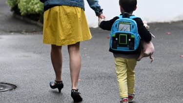 Une mère perd en moyenne 25% de ses revenus cinq ans après la naissance d'un enfant
