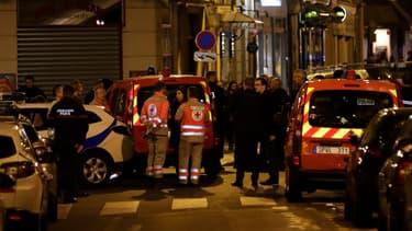 Une personne a été tuée et quatre blessées dans l'attaque au couteau.