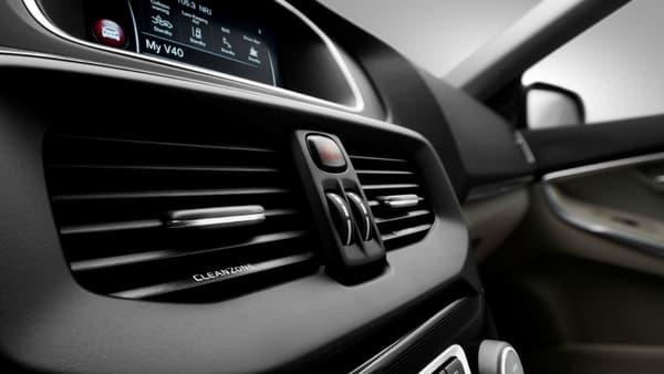 La V40 restylée embarque également une version mise à jour du système Volvo on Call.