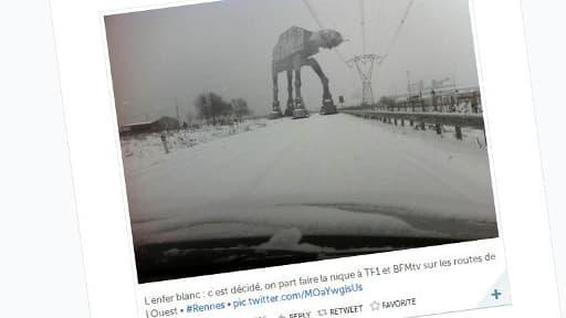 Puisqu'i lneige en mars, pourquoi ne pas rencontrer un robot issu de Star Wars ?