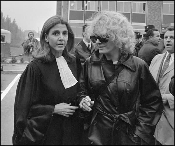 Gisèle Halimi, lors du procès de Bobigny en 1972, où elle assure la défense de Marie-Claire Chevalier, mineure jugée pour avoir avorté à la suite d'un viol.