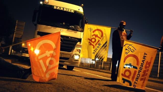Les routiers veulent une hausse de 5% des salaires.