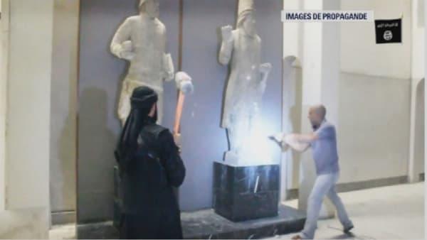Les jihadistes de Daesh saccagent le musée de Mossoul dans des images de propagande diffusées fin février.