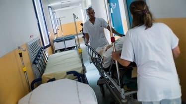 Doctolib généralise la prise de rendez-vous médicaux en ligne pour les hôpitaux de Paris.