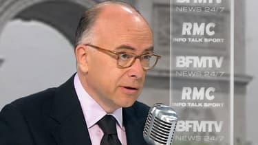 Le ministre de l'Intérieur, Bernard Cazeneuve, sur le plateau de BFMTV-RMC, le 15 juin 2015