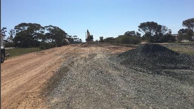 Le parc solaire de Kiamal se situe à 3 kilomètres au nord de la ville d'Ouyen, au nord-ouest de Victoria dans le sud de l'Australie.