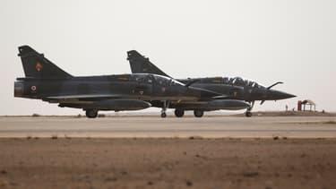 Deux Mirage 2000 de l'armée française, sur une base jordanienne, en octobre 2015. (photo d'illustration)