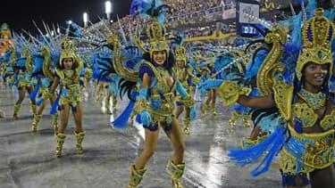Danseurs d'une école de samba lors du carnaval de Rio, le 24 février 2020