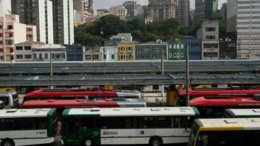 Des bus à l'arrêt lors d'une grève à Sao Paulo, le 21 mai 2014.
