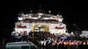 Ressortissants turcs arrivant par ferry à Marmaris après avoir été évacués de Libye. Les gouvernements de plusieurs pays tentent par tous les moyens de rapatrier leurs ressortissants se trouvant en Libye, plongée dans le chaos. /Photo prise le 23 février