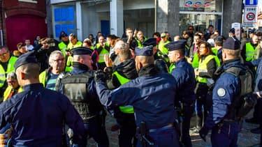 "Evacuation des ""gilets jaunes""."