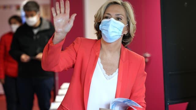 Valérie Pécresse vote à l'occasion du second tour des élections régionales, dimanche 27 juin 2021